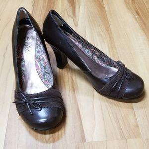 Mudd brown heels 9M